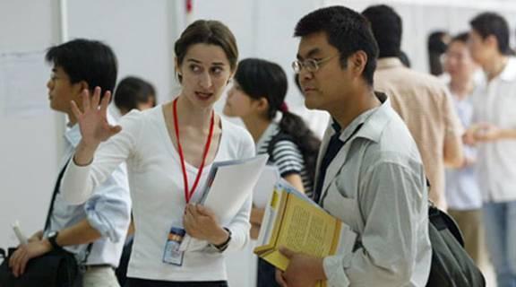 """3%中国留美学生去年被 """"开除"""""""