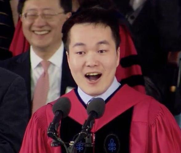 中国学子何江在哈佛毕业典礼上的演讲