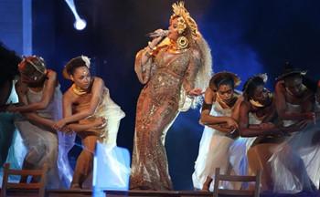即使怀孕也不停止歌唱,碧昂斯是怎么做到的