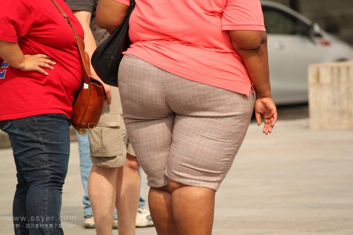 近十年来,美国人的体重增加了,但希望减肥的成年人却减少了