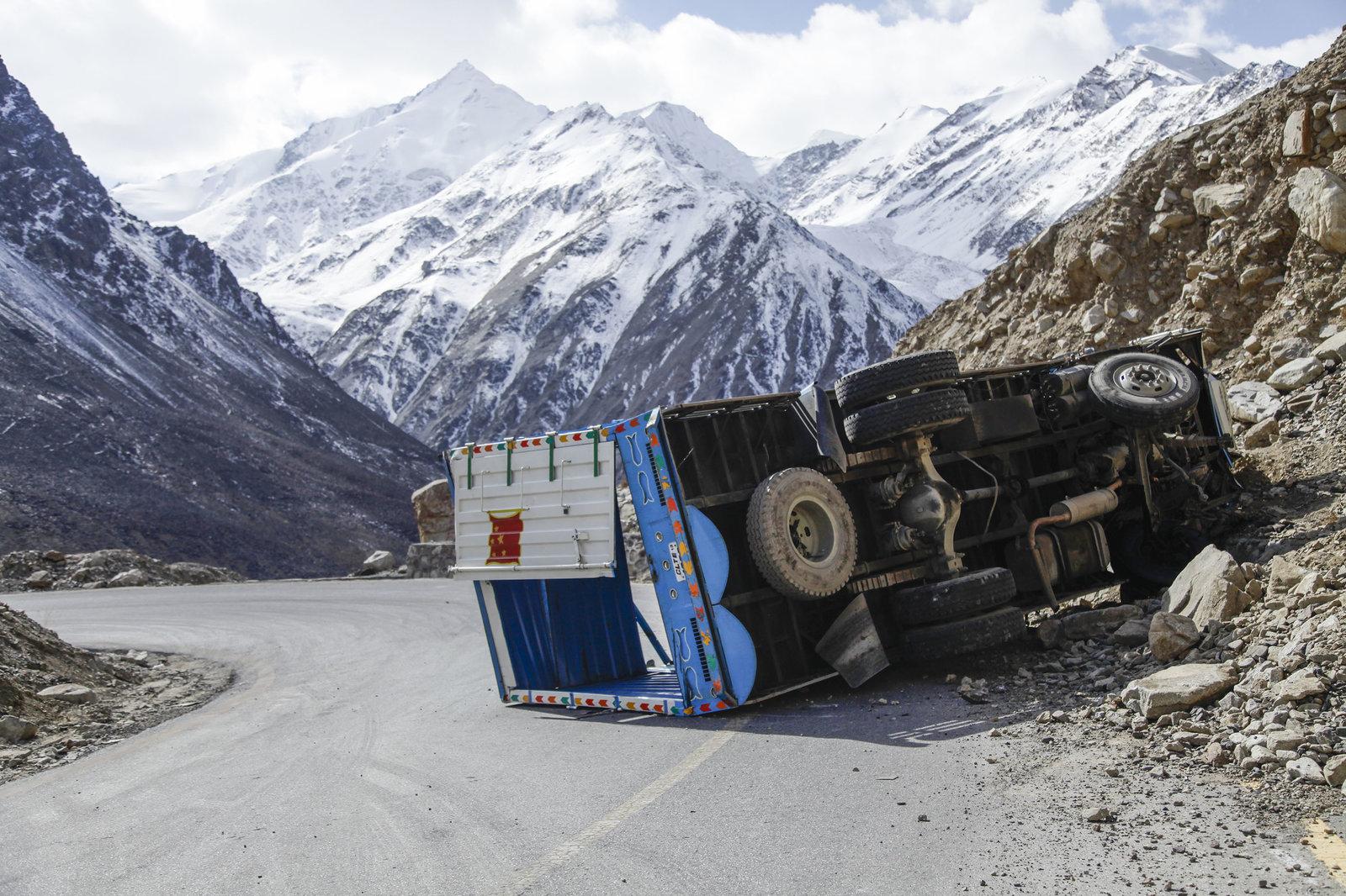 中国在巴基斯坦山区高速公路沿线投资了数十亿美元