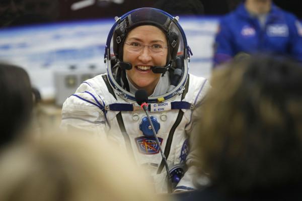 美��宇航�T克�Y斯蒂娜・科赫,��造了女性最�L太空�w行的��