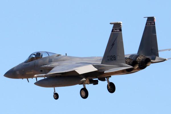 戰斗機飛行員在18000英尺高空昏倒,醒來時損失高達250萬美元