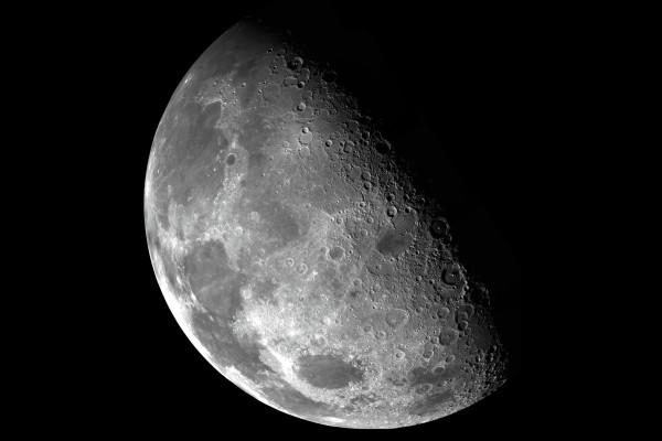 """研究�l�F,月球在""""�炔堪l��C""""停�C後,磁�鱿�失了10� 年"""
