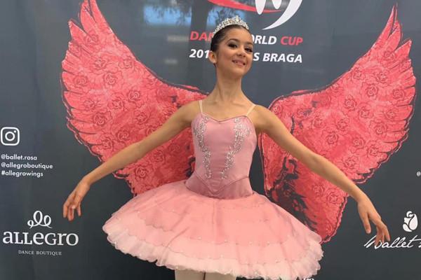 英国皇家芭蕾舞学校的新星,14岁,死于罕见的脑膜炎