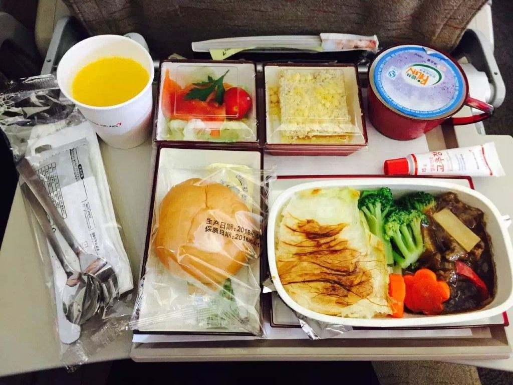 全球哪家航空公司的飛機餐最美味?