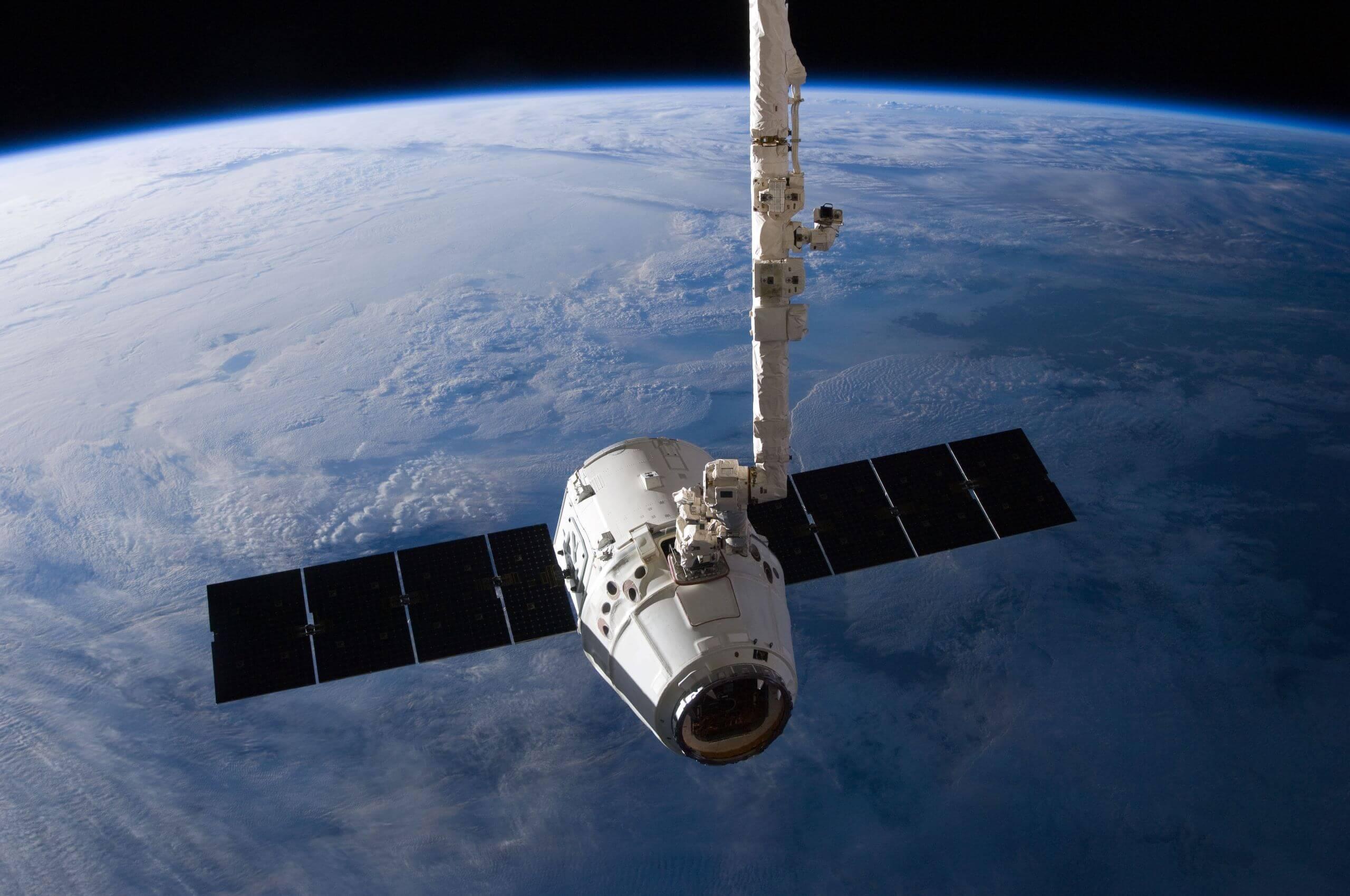 SpaceX将为NASA往月球运货
