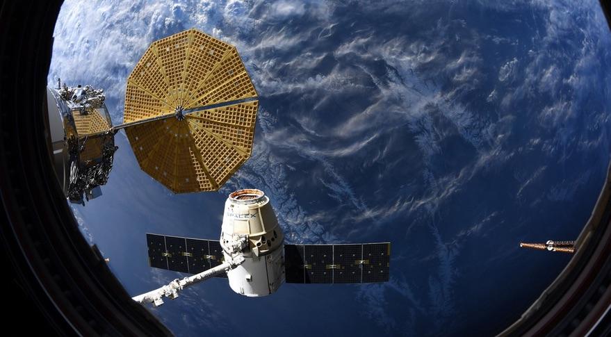 SpaceX Dragon太空舱于4月7日返回地球