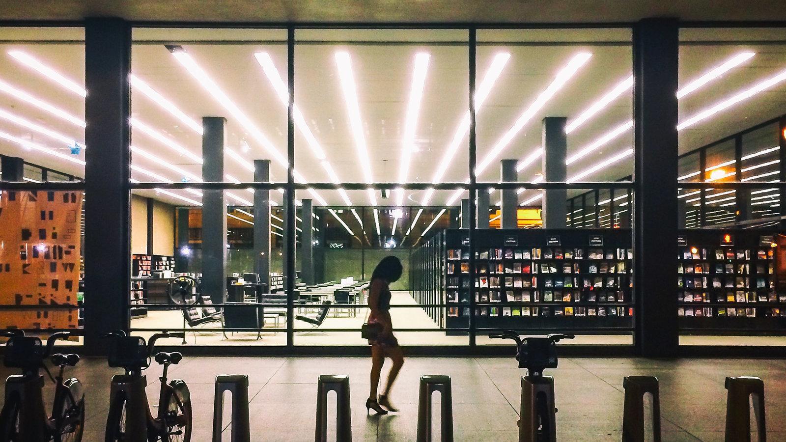 图书馆正在应对大流行期间对图书和服务的新需求