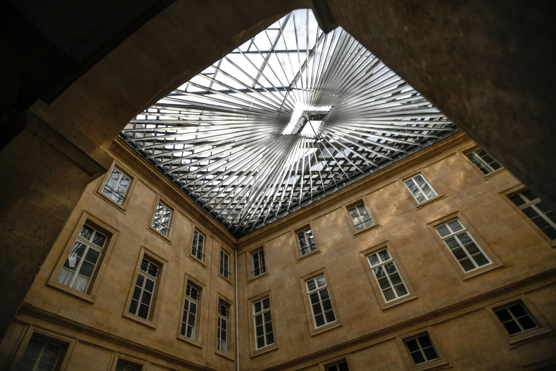 双语看图:玻璃天花板